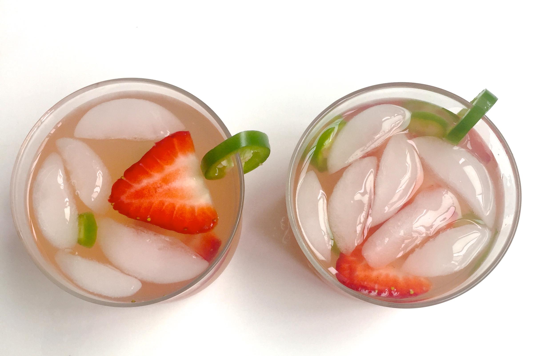 strawberry lemonade smoothie spicy strawberry jalapeno lemonade
